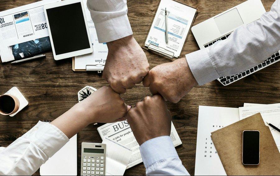 equipe trabalhando unida é uma das requisições para o profissional do futuro